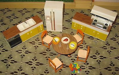 21 PCs Tomy Smaller Homes Dollhouse Furniture Kitchen Mid Modern Retro Plate