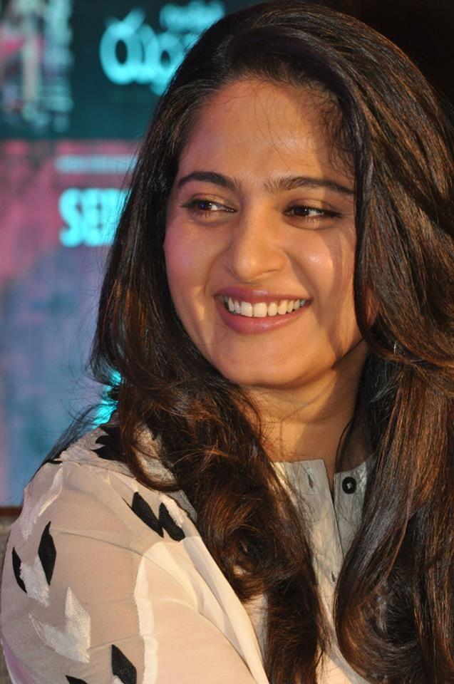 Anushka Shetty Wallpapers: Anushka Shetty at Rudramadevi Release Date Press M...