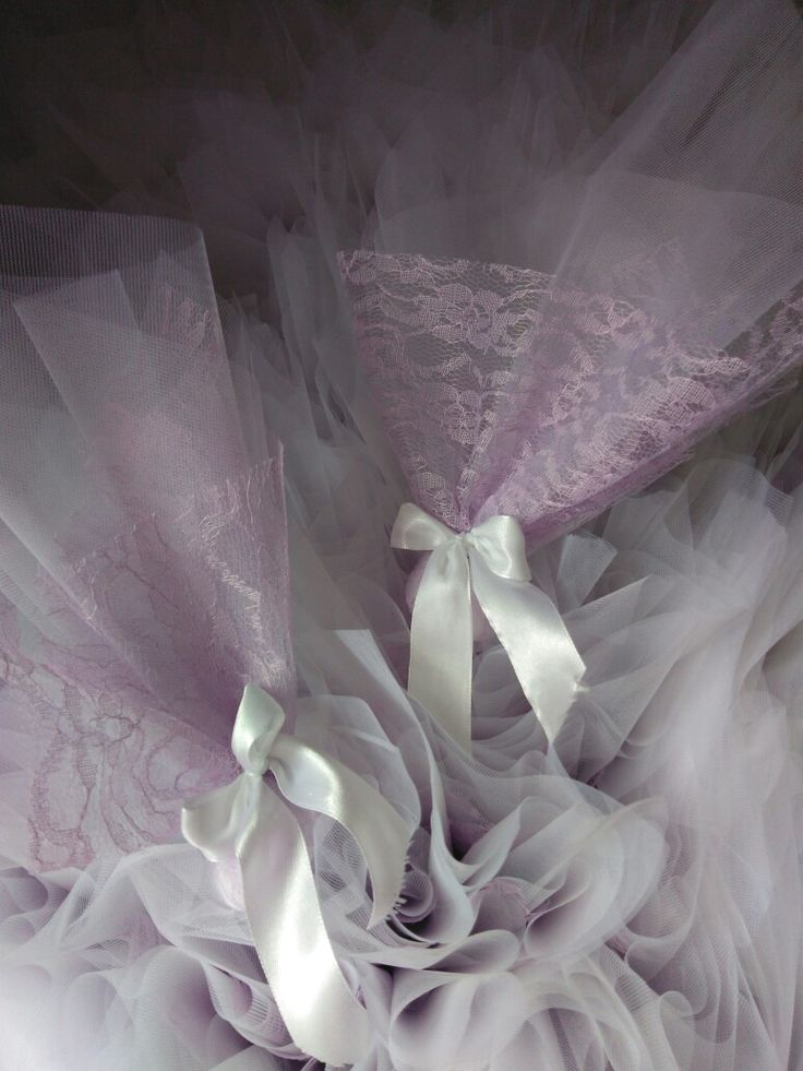 Μπομπονιέρα τούλι με λιλά δαντέλα #handmade #creations #mpomponieres #white #touli #lila #dantela #wedding #mywork #metaxerakiamou #neraidodhmiourgies