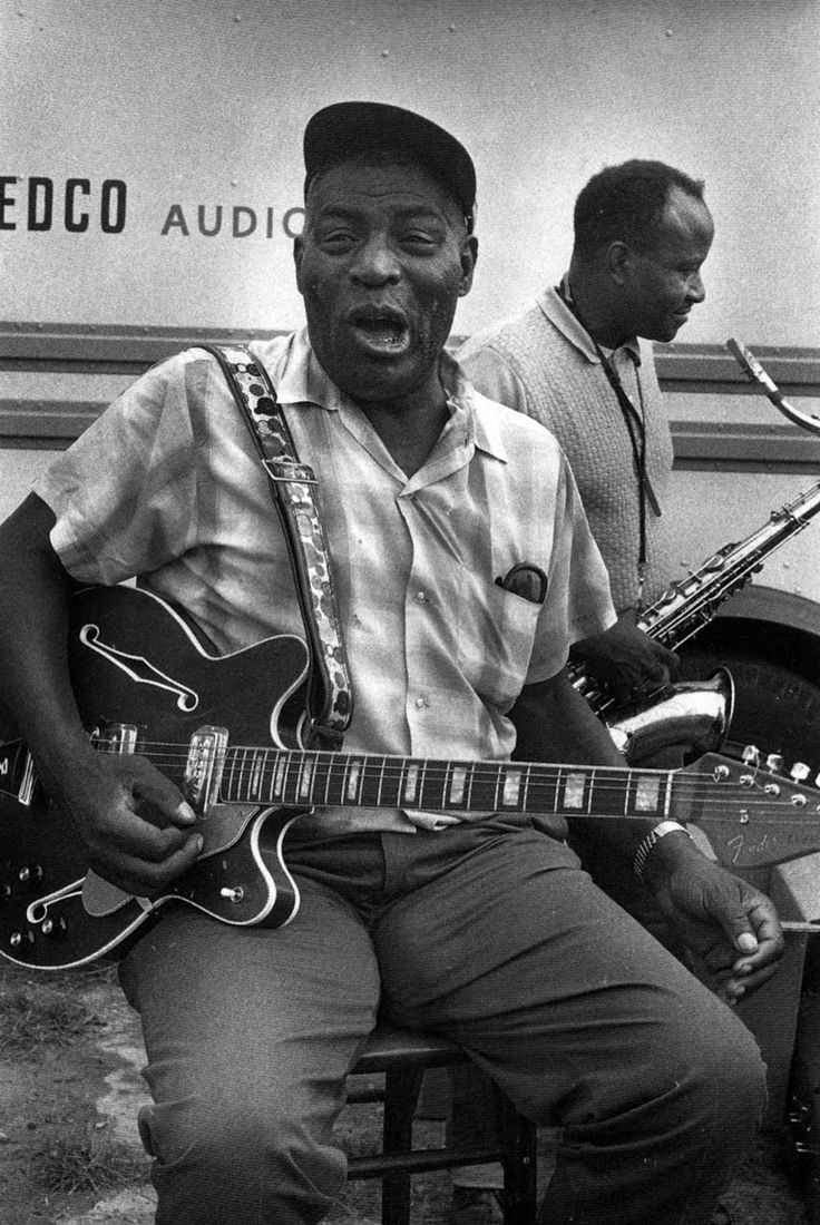 Chester Arthur Burnett, aka Howlin' Wolf, b. June 10, 1910 ... born on the very same day as me