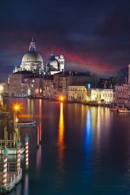 ✯ Venice at Night - Italy