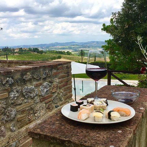 Mehr Toskana geht nicht . Einfach herrlich hier. #toskana #toscana #poggibonsi #san #gimignano #italien #italy #colle #de #val #elsa #casaglia #sushi