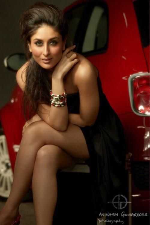 Beauty in Black! Kareena Kapoor Khan stuns in this unseen photo!