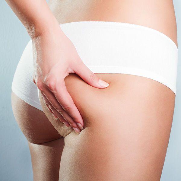 Die Bürstenmassage sorgt für Elastizität und Festigkeit der Haut.
