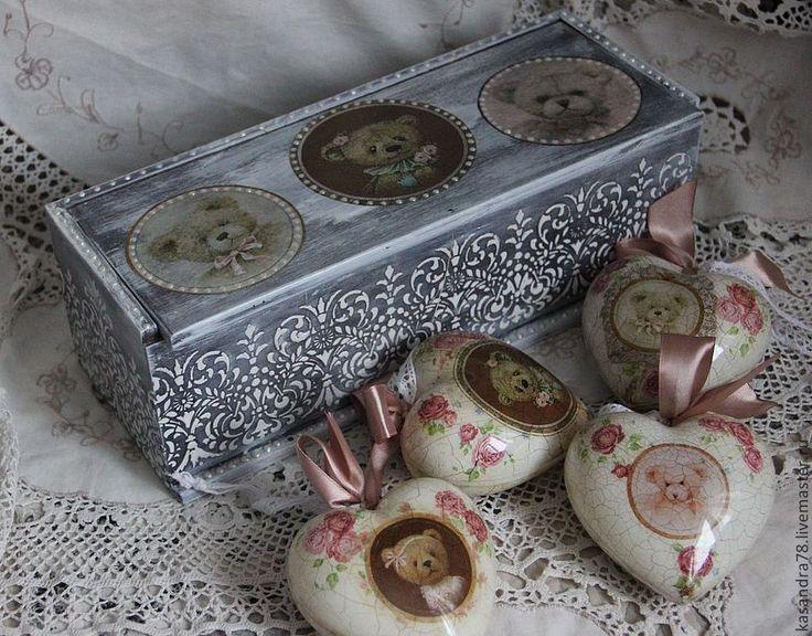 Подарочный набор новогодних ёлочных игрушек -Мишки http://www.livemaster.ru/item/5057693-podarki-k-prazdnikam-podarochnyj-nabor-novogodnih