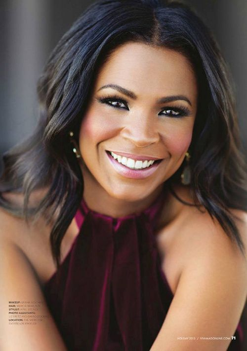 Actress Nia Long (love this pic, even though I still like her with a short cut)