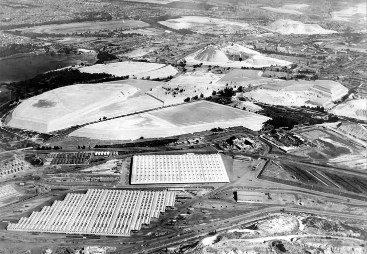 Prospect Goods Yards and Mine Dumps, Johannesburg (1952) | Hilton T / Flickr