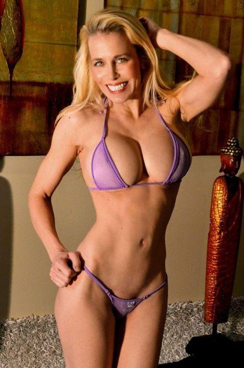 Blonde Jill 28