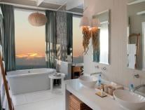 White Pearl - Ponta Mamoli - Bathroom