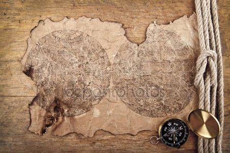 Télécharger - Boussole et cartes anciennes — Image #56320307