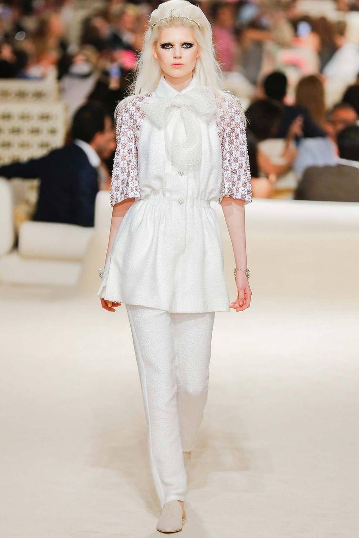 Chanel Resort 2015 Fashion Show - Ola Rudnicka