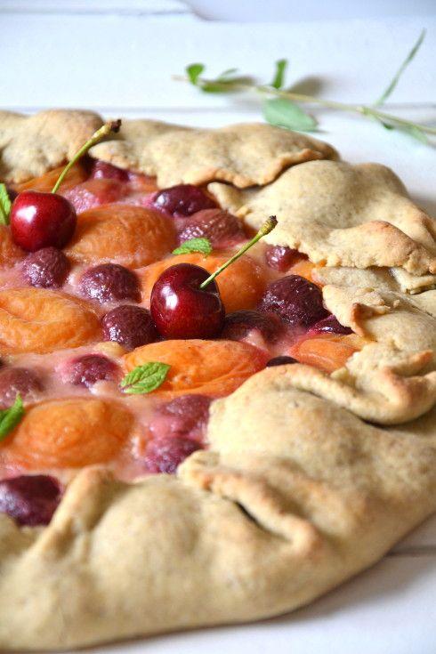 Tarte rustique cerise - abricot  *100% végétale*  --- LesRecettesDeJuliette ---