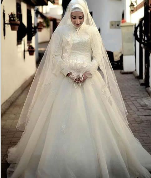 islamic wedding dress.... Perfect Muslim Wedding