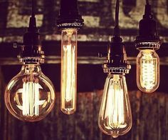 give the home a quaint yesteryear ambiance by it using vintage style light bulbs - Antique Light Bulbs