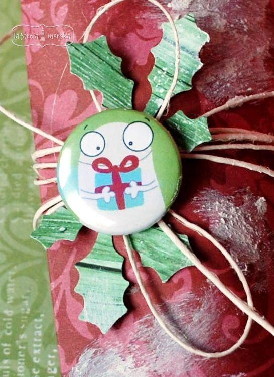 Christmas present decoration  http://www.hurt.scrap.com.pl/plakietka-flair-buttons-potworna-kolekcja-2.html