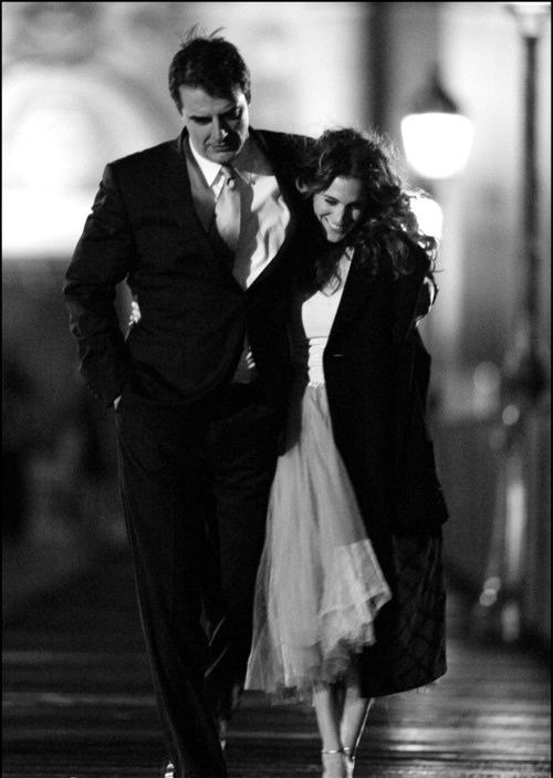 Mr Big and Carrie, the last episode. Such a cute photo. I wish it didn't have to end.