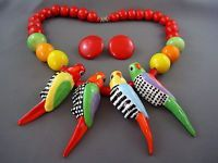 c.1970s Vtg Designer PARROT PEARLS Ceramic PARROT Necklace Earrings Set