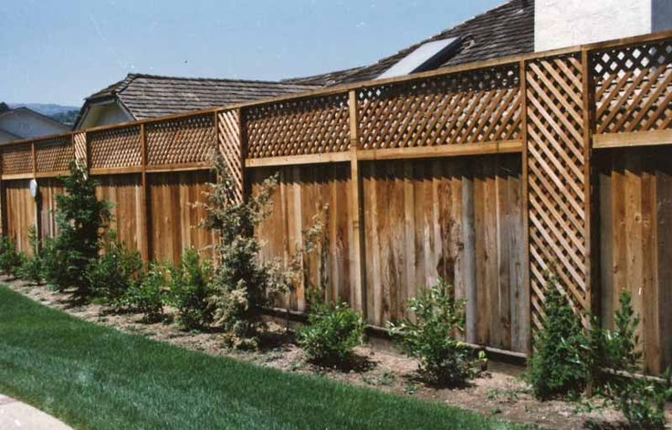 Good neighbor fence with lattice located in Saratoga by M&M Builders