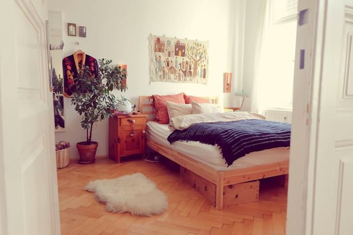 An Eclectic and Cozy Apartment — House Call | Apartment Therapy