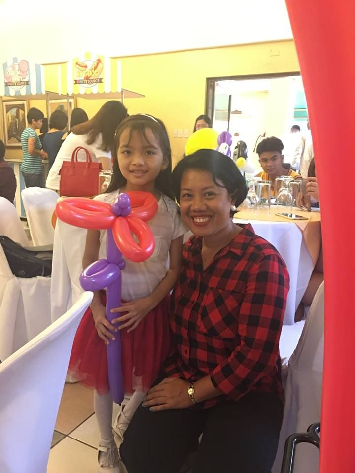 affordable balloon twisting Balloon decor angeles city balloon flower Contact 0947-893-6701 Breth Entertainment
