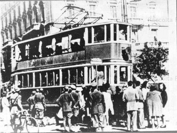 Tramvia dei Castelli romani – Piazza San Giovanni Anno: 1941