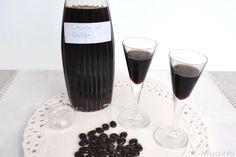 Liquore al caffè, scopri la ricetta: http://www.misya.info/2014/02/01/liquore-al-caffe.htm