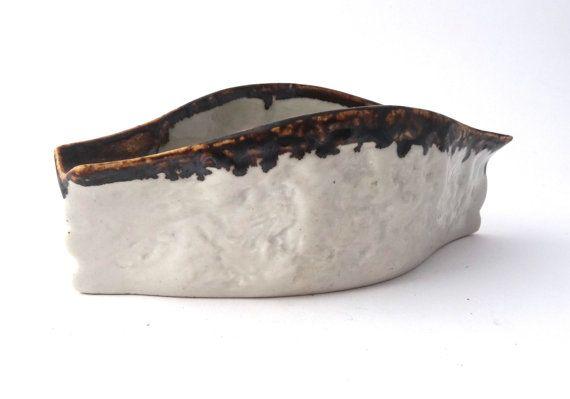 Jitka Forejtova -- Keramo Kostalec -- modernist pottery ashtray --