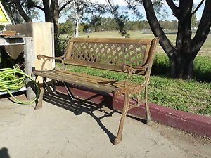 Used-fancy-cast-iron-and-timber-outdoor-garden-bench-seat-PICK-UP-IPSWICH