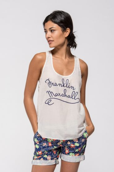 Sleeveless top made of silk with pretty print on the front.