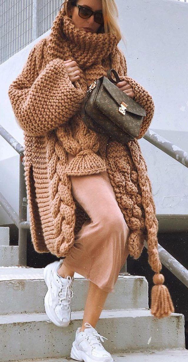 Norway Knit Cardigan Model