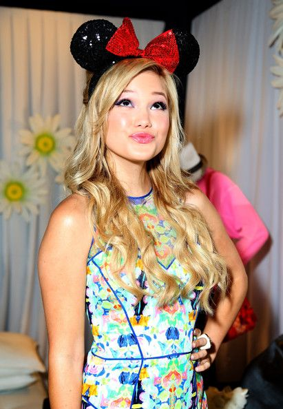 olivia holt christmas | ... in this photo olivia holt actress olivia holt attends the minnie