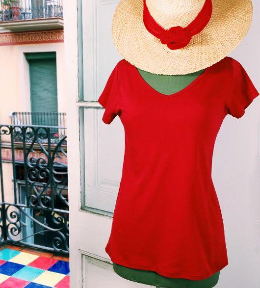 Camiseta roja de manga corta 100% algodón #InstintoBcn #ShopOnLine #FetABarcelona