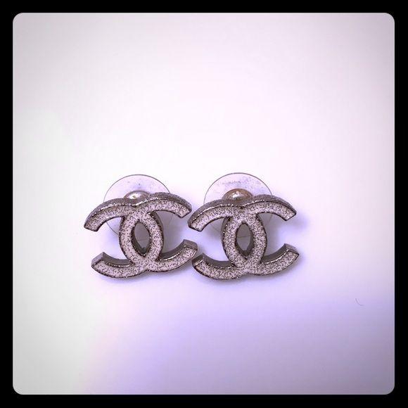 24 hr Sale✨⚡️ Chanel stud earrings Chanel CC shiny enamel white metallic earrings with original backs CHANEL Jewelry Earrings