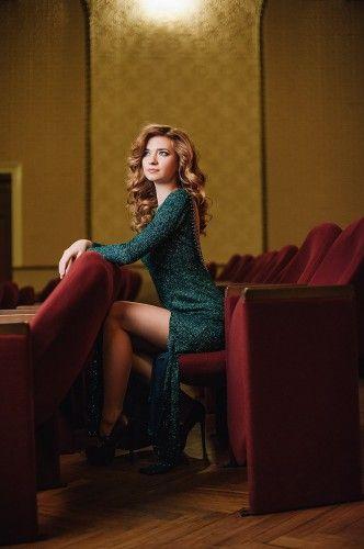 Ирина Очень хочется праздника и новогоднего настроения, особенно когда будни молодой мамы похожи на день сурка :)