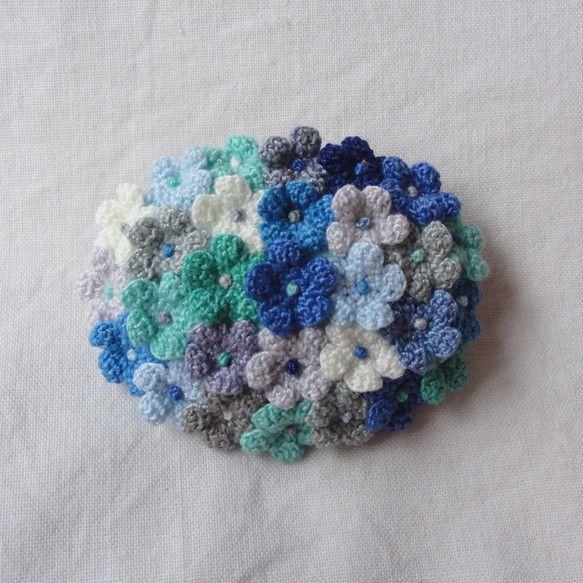 ブローチ 小花の花束 / だ円型 /「青の街」
