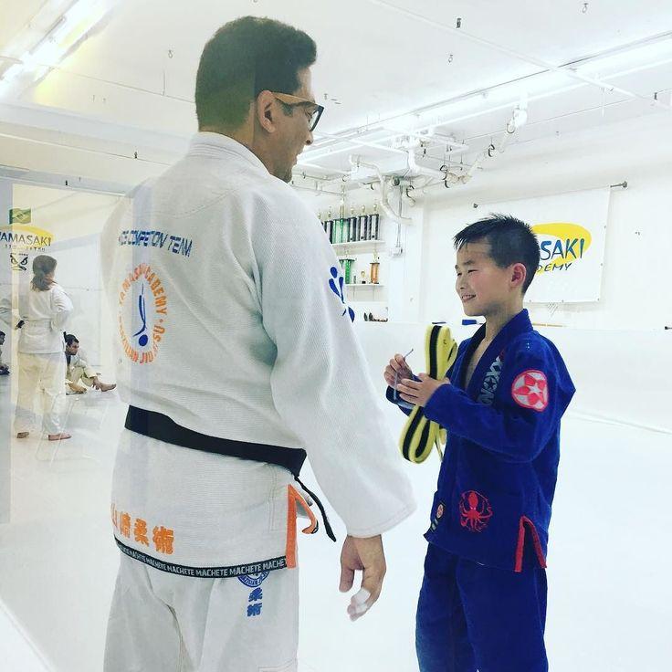 Never Stop Learning! Thank You Professor @fyamasaki > DREAMxBELIVExACHIEVE > #KidsBJJ #bjj #JiuJitsu #JiuJitsuKids  #BJJLifeStyle #JiuJitsuLife #bjjLife #Jits #JiuJitsuLifeStyle #kidsjiujitsu #Knoxx #KnoxxGear #Yamasaki #YamasakiJiuJitsu #YamasakiStrong #YamasakiAcademy #aoj #aojstyle #巴西柔術 #巴西柔术 #柔術 #武道 #柔道 #巴柔 #ブラジリアン柔術 #スパーリング #브라질주짓수 #스파링 #주짓수 #戰無不勝