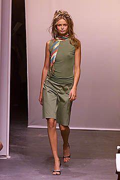 Diane von Furstenberg Spring 2001 Ready-to-Wear Collection Slideshow on Style.com