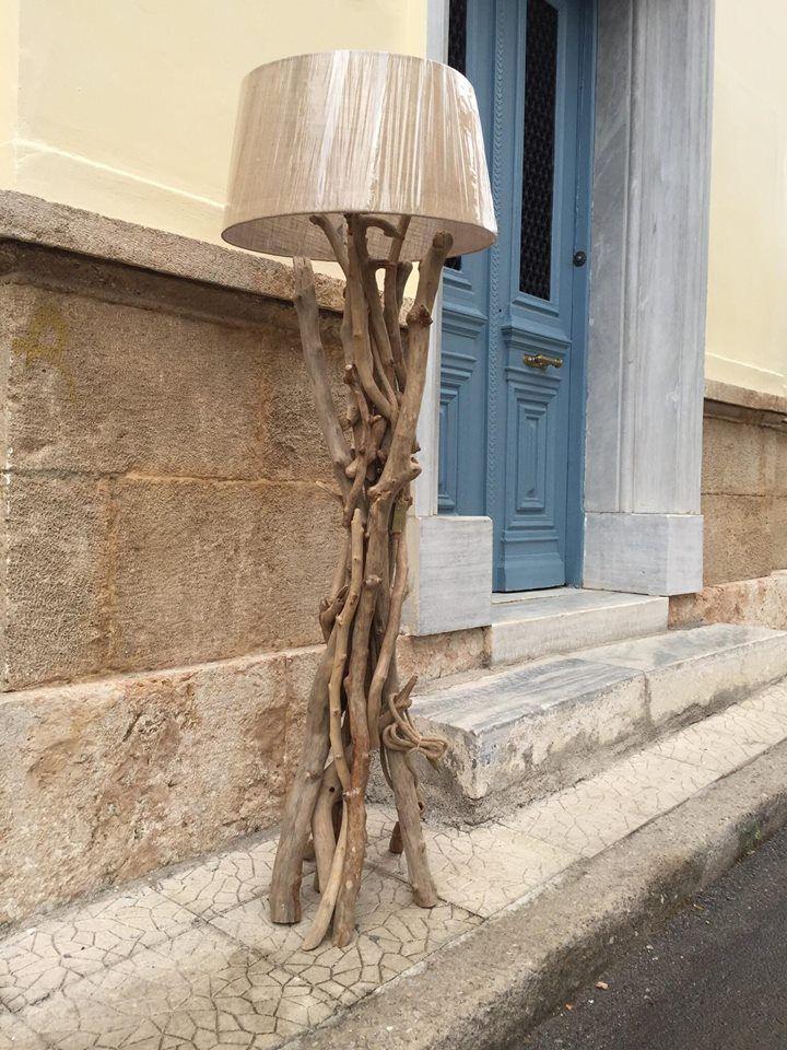 επιδαπέδιο φωτιστικό από θαλασσοξυλα με καπέλο λινάτσα..διαστάσεις 170 cm.τηλ.6976773699 ...floor lamps by driftwood