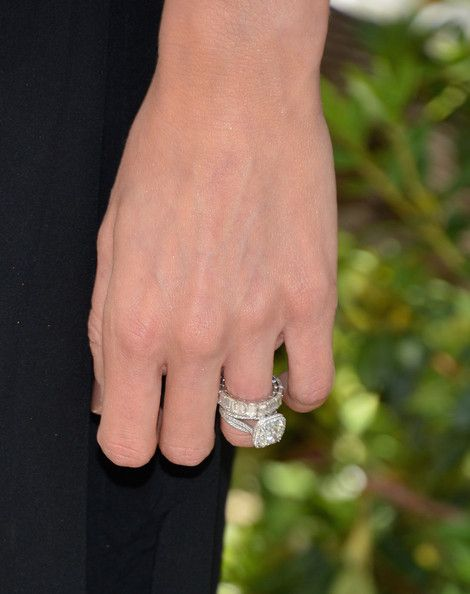 giuliana rancic photos photos the associates for breast and prostate cancer studies mothers day luncheon arrivals - Giuliana Rancic Wedding Ring