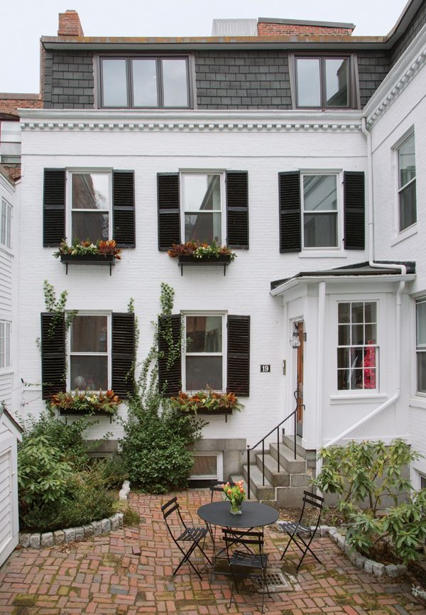 Beacon Hill redo for inspiration - Let There Be Space: Beacon Hill Townhouse Designed for a Modern Family (Boston Home)
