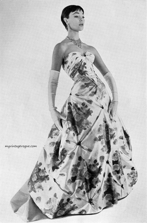 Moda Italiana Spring / Summer 1956  Ivy Nicholson wearing a gown by Mingolini - Gugenheim