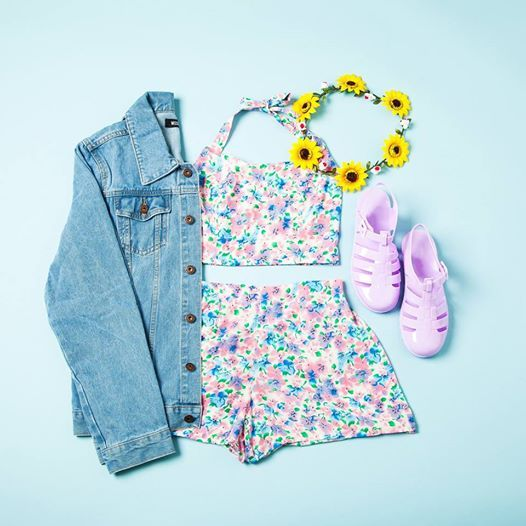 Feel floral fresh at #Creamfields this festival season! Work #coords #Missguided style in the Spirina Lilac Floral Bralet + Jolina Lilac Floral Shorts. Team with a #flowercrown and #jellyshoes for festi-cool!