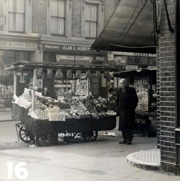 portobello-market-1958-jaffas.jpg (768×772)