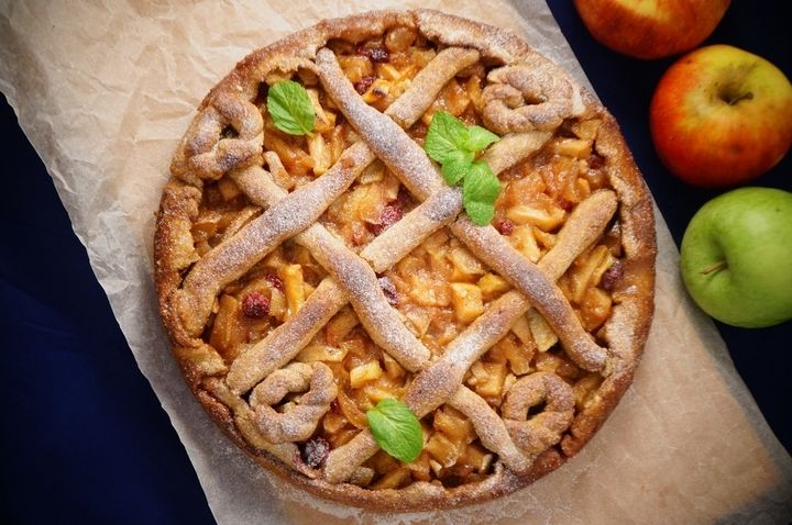 Яблочный пирог с медом и клюквой - рецепт - как приготовить - ингредиенты, состав, время приготовления - Леди Mail.Ru