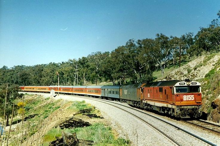 Cootamundra 8155-G516 on the down daylight to Melbourne. 1.58pm. 11/9/90.