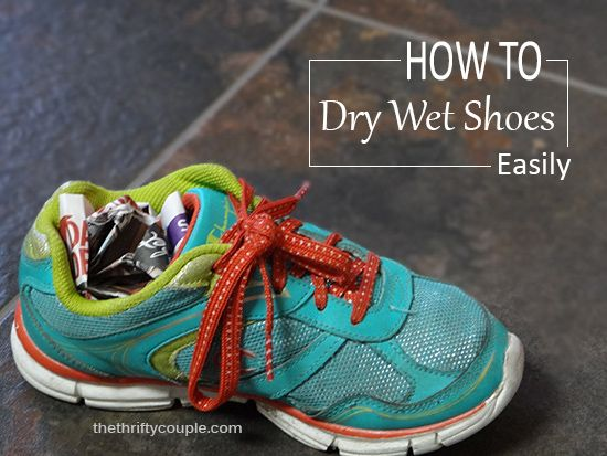How To Dry Wet Tennis Shoes Easily and Perfectly with Newspaper