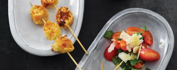 Anderledes måde at servere tortellini på. Servér med parmesansauce og en salat. Find flere lækre italienske opskrifter på www.modernemamma.dk.