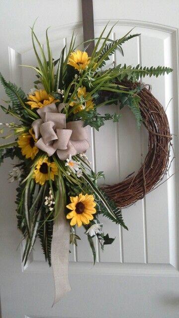 Grapevine summer wreath
