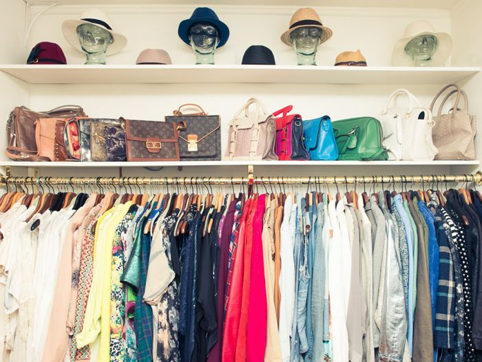 Glass Heads for Hat Storage My Closet on #TheCoveteur _ Rangement chapeau