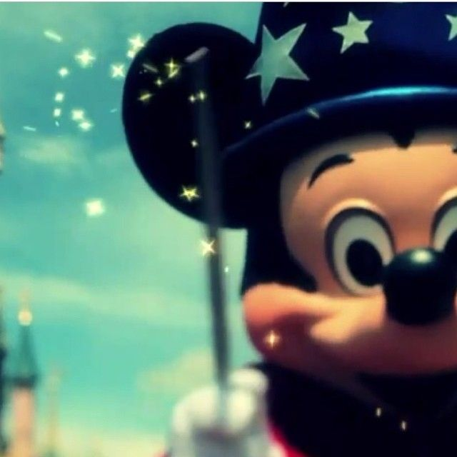69 best Mickey Mouse images on Pinterest | Backgrounds, Background ...